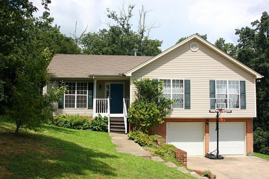 A single-family home in one of the most desirable neighborhoods in Ooltewah. This spacious three bedrooms two baths home features a living room with cathedral ceilings where natural light streams through large windows.