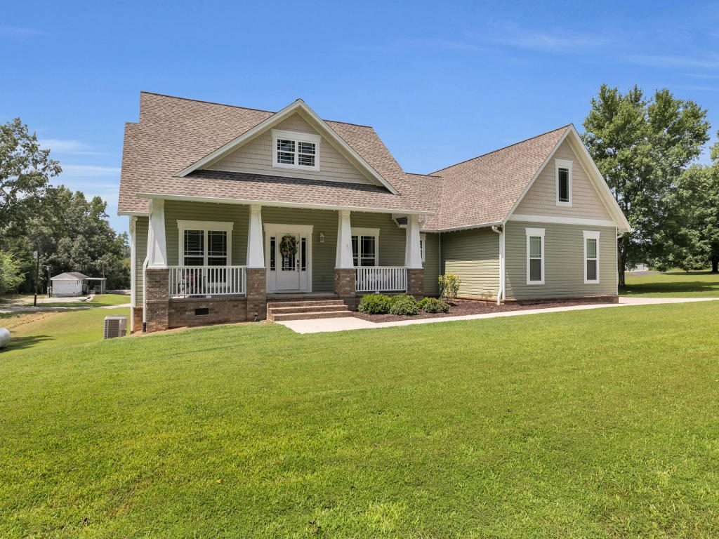 Amazing all-custom built home situated on almost 1 acre. This home will impress you the moment you enter and see the open floor plan, beautiful hardwood flooring, and open space it offers.