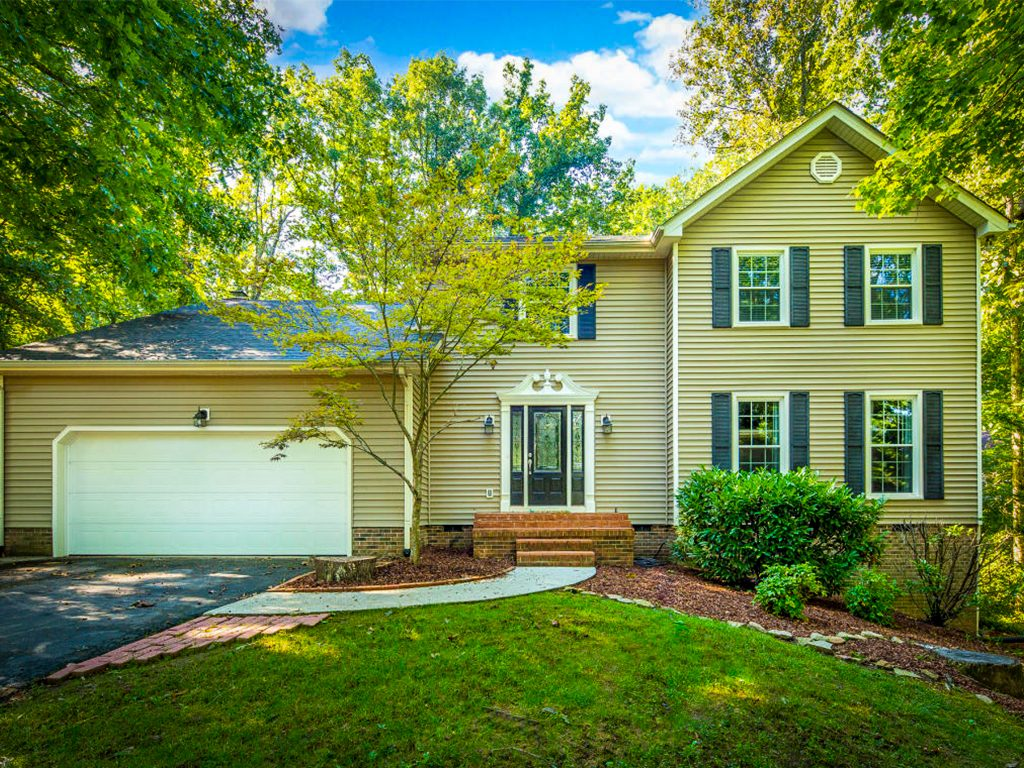 Homes for Sale in Hidden Brook, Signal Mountain, TN